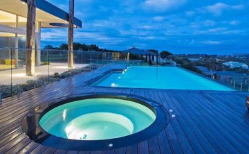 акрилен плувен басейн