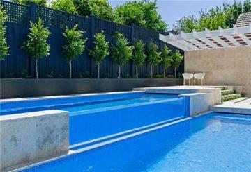 басейн с горещ плувен басейн